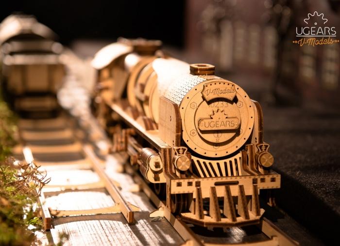 Puzzle 3D Tren V- Express cu abur din lemn Ugears 22