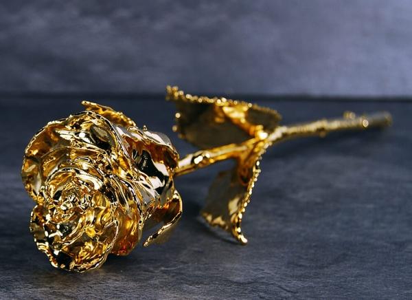 Trandafir placat cu aur de 24K 0