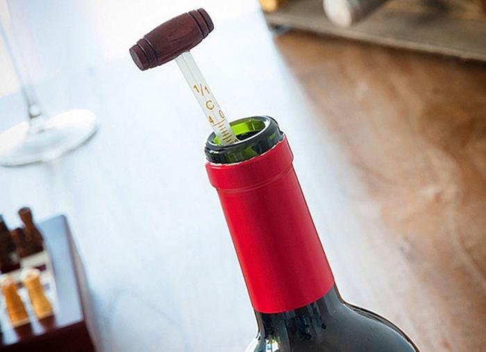 Caseta Deluxe de sah si accesorii pentru vin 3