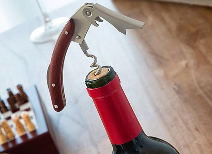 Caseta Deluxe de sah si accesorii pentru vin 2
