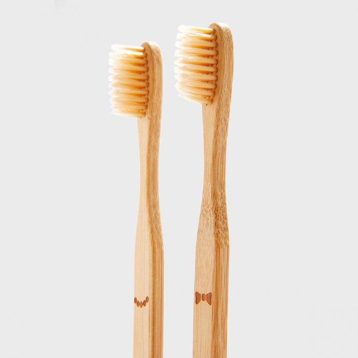 Doamna si papionul periute de dinti pentru cupluri 2