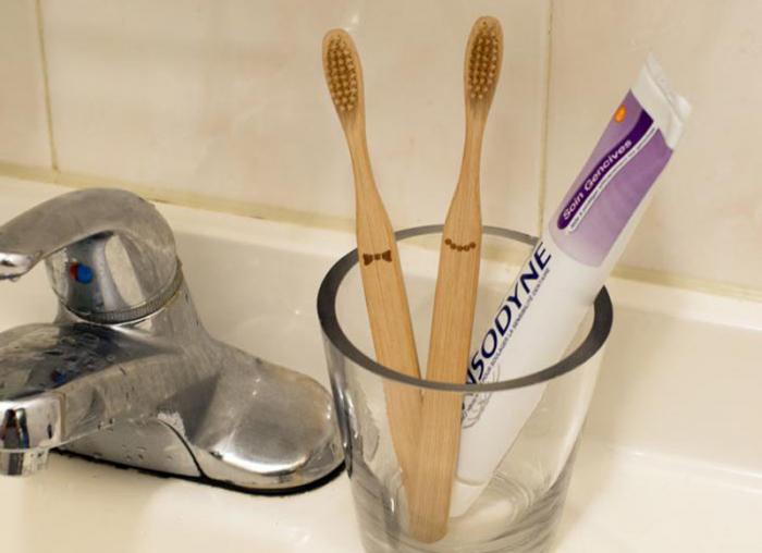 Doamna si papionul periute de dinti pentru cupluri 0