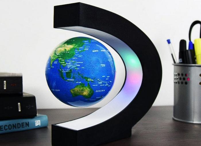 Glob magnetic plutitor cu iluminare LED. C-Shape 0