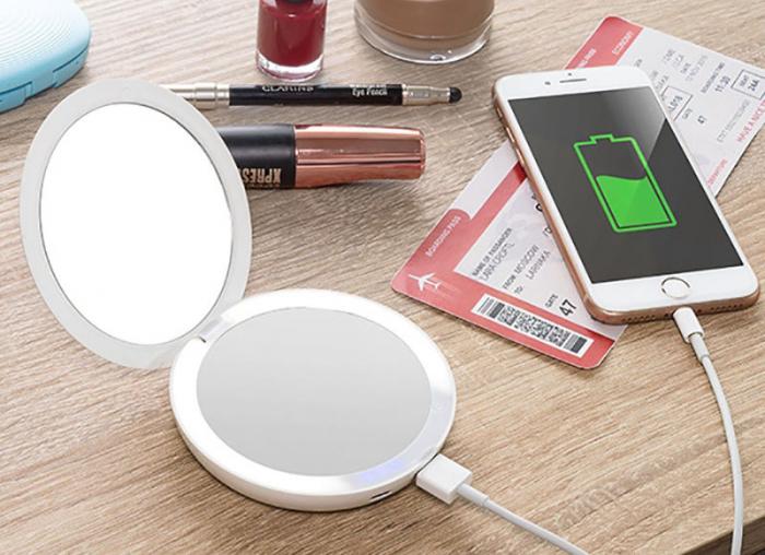 Oglinda MakeUp 3in 1 cu LED si incarcare smartphone 0