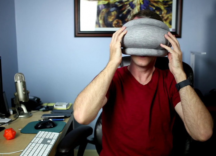 Perna Ostrich Pillow Light 1