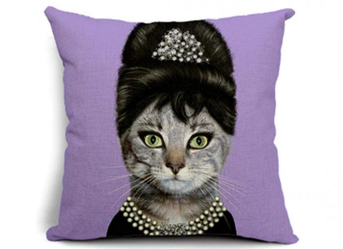Husa Perna Pisic Audrey Hepburn 1