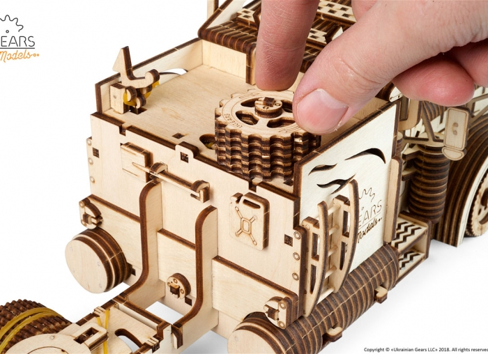 Puzzle 3D Camion VM-03 din lemn Ugears 18