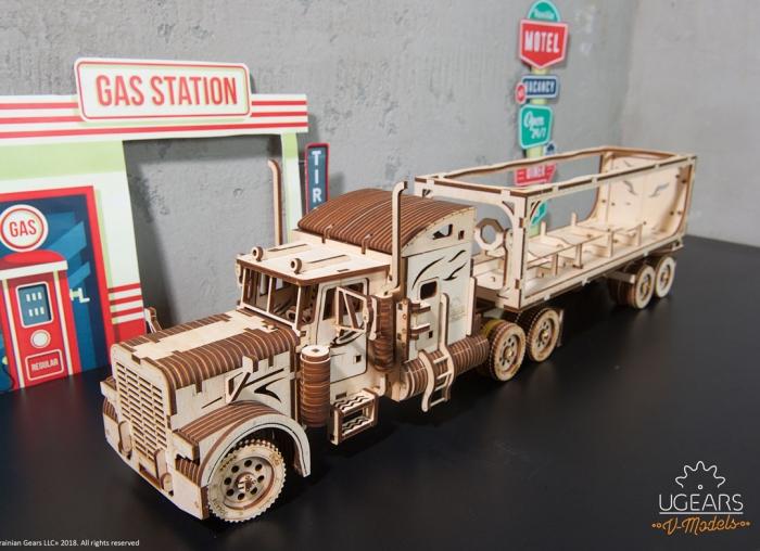 Puzzle 3D Camion VM-03 din lemn Ugears 0