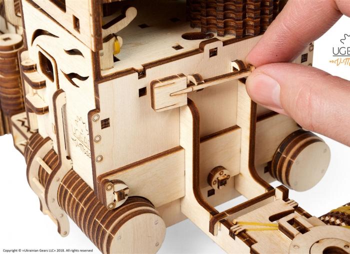 Puzzle 3D Camion VM-03 din lemn Ugears 15