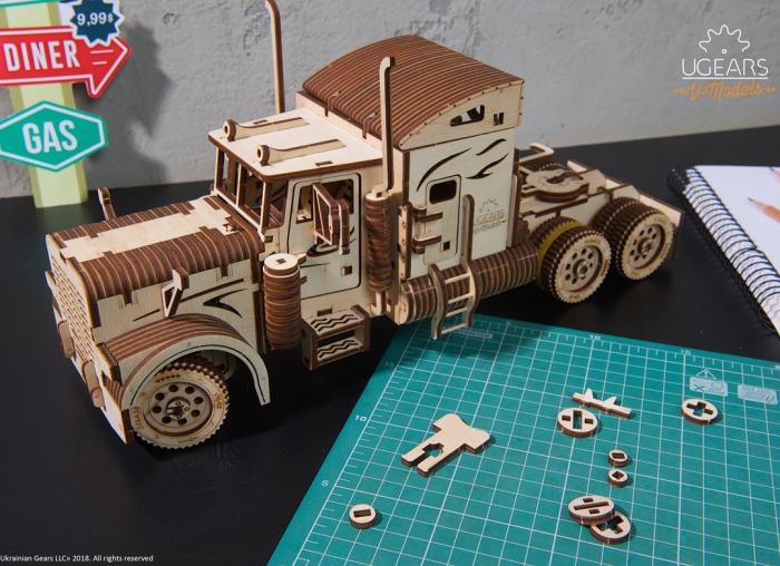 Puzzle 3D Camion VM-03 din lemn Ugears 5