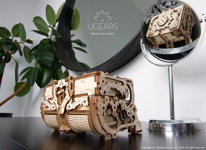 Puzzle 3D Cutie antica de bijuterii Ugears 1