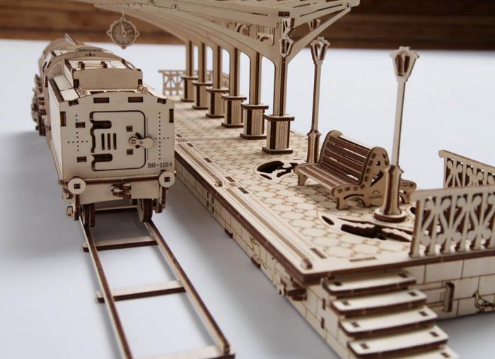Puzzle 3D Gara din Lemn Ugears