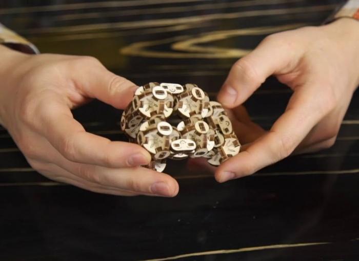 Puzzle 3D Model Flexi-cubus din lemn Ugears 1