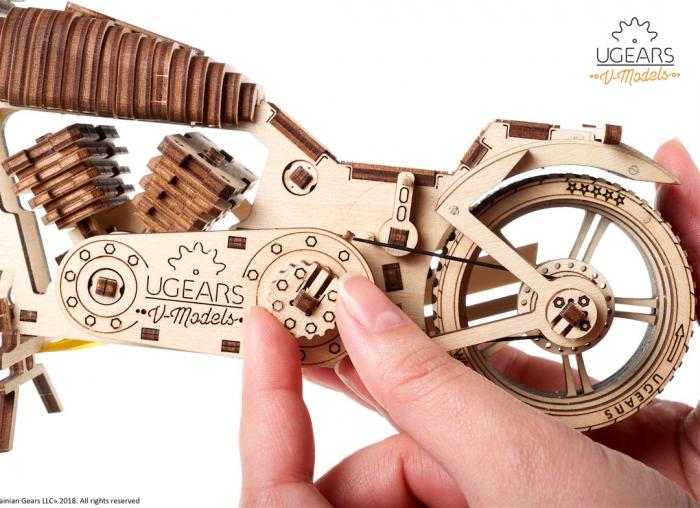 Puzzle 3D Motocicleta VM-02 din lemn Ugears 3