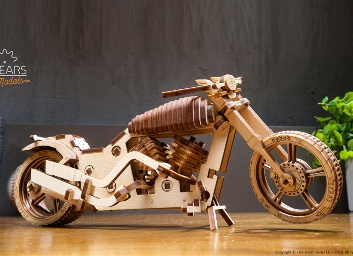 Puzzle 3D Motocicleta VM-02 din lemn Ugears 9
