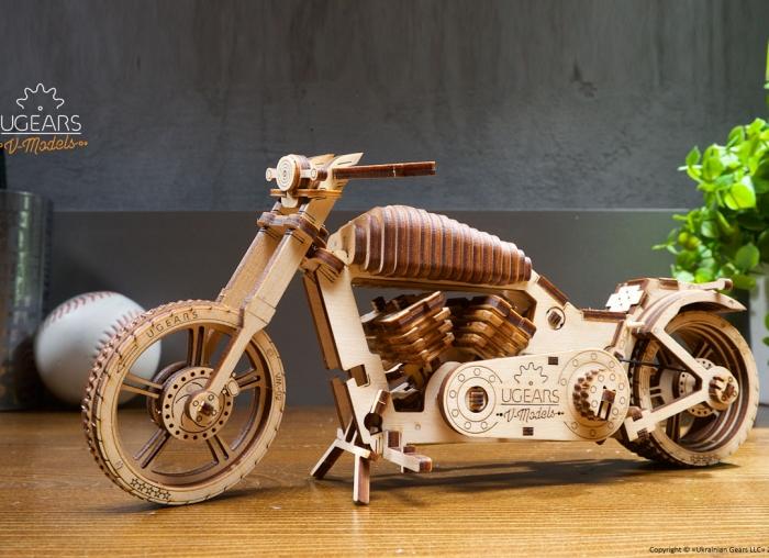 Puzzle 3D Motocicleta VM-02 din lemn Ugears 12
