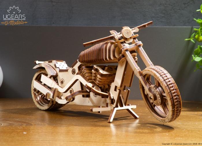 Puzzle 3D Motocicleta VM-02 din lemn Ugears 13