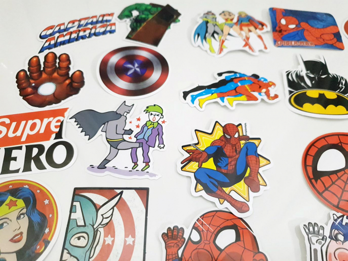 Set 50 stickere bagaje Superhero 0