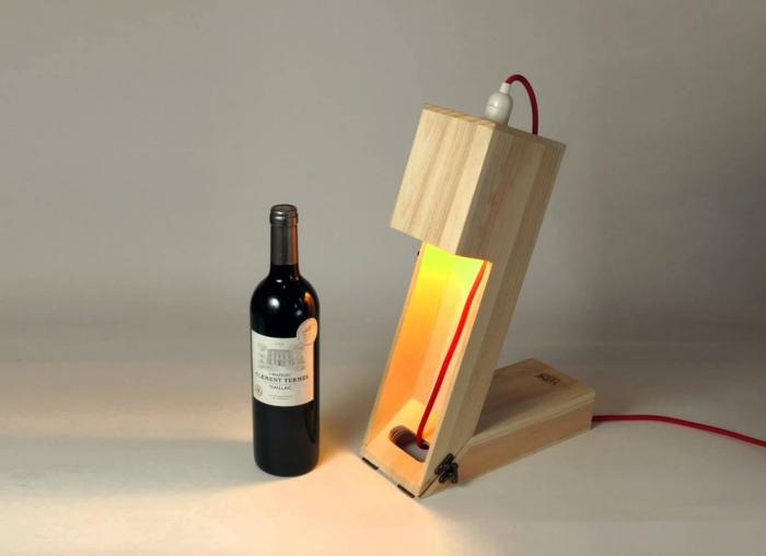 Suport din lemn veioza pentru vin