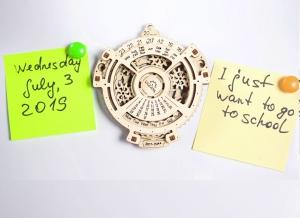 Calendar Steampunk din Lemn Ugears1