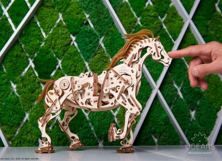 Puzzle 3D Cal Bionic din lemn Ugears12