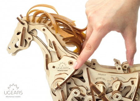 Puzzle 3D Cal Bionic din lemn Ugears13