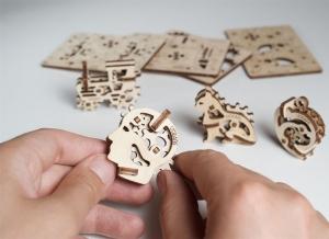 Puzzle 3D Fidget Tribiki din Lemn Ugears1