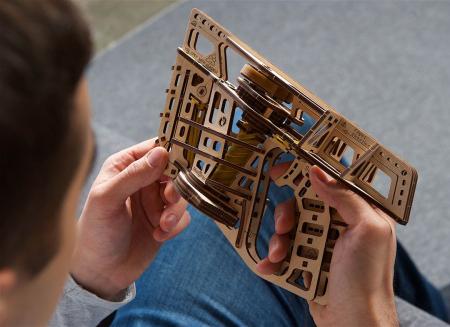 Puzzle 3D Flight Starter din lemn Ugears7