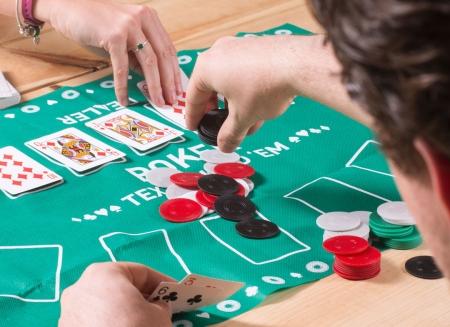 Joc de poker pentru birou1