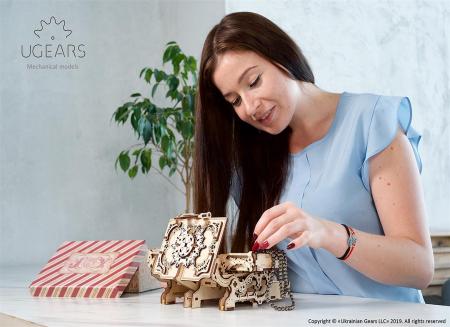 Puzzle 3D Cutie antica de bijuterii Ugears5