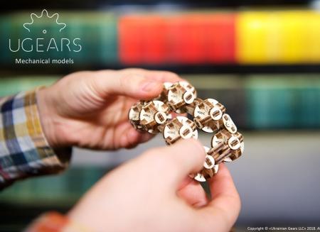 Puzzle 3D Model Flexi-cubus din lemn Ugears0