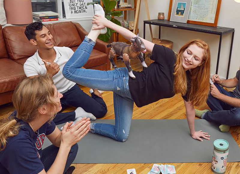 yoga joc petrecere