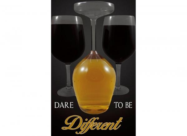 Pahar de Vin Gigantic Rasturnat