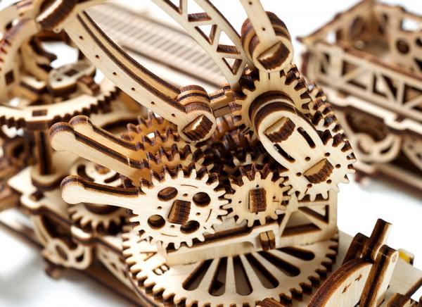 Puzzle 3D Macara pe Sine din Lemn Ugears