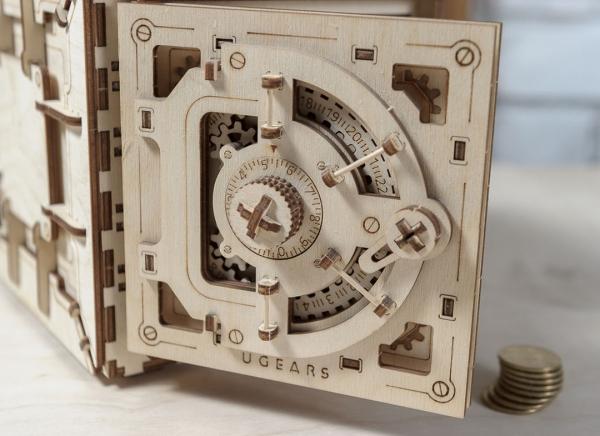 Puzzle 3D Seif din Lemn Ugears