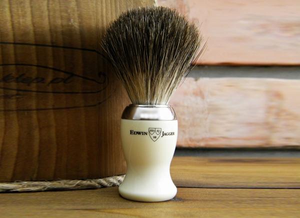 Pamatuf ivory Pure Badger pentru barbierit clasic cu brici sau aparat de ras Edwin Jagger