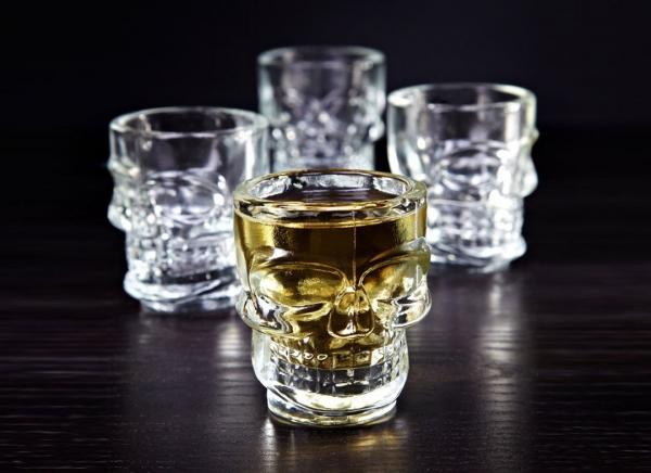 Set 4 pahare shot Craniu