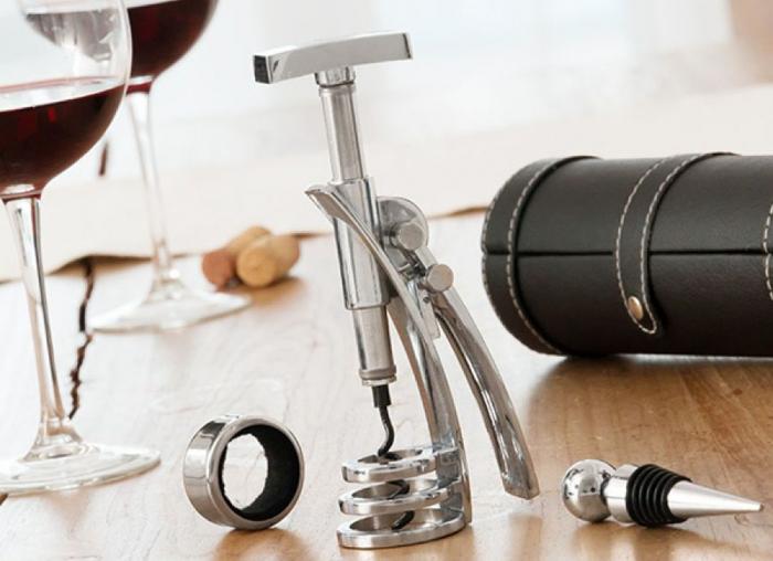 Set luxos de accesorii pentru vin