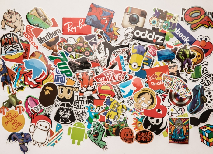 Set 100 stickere laptop Super Eroi