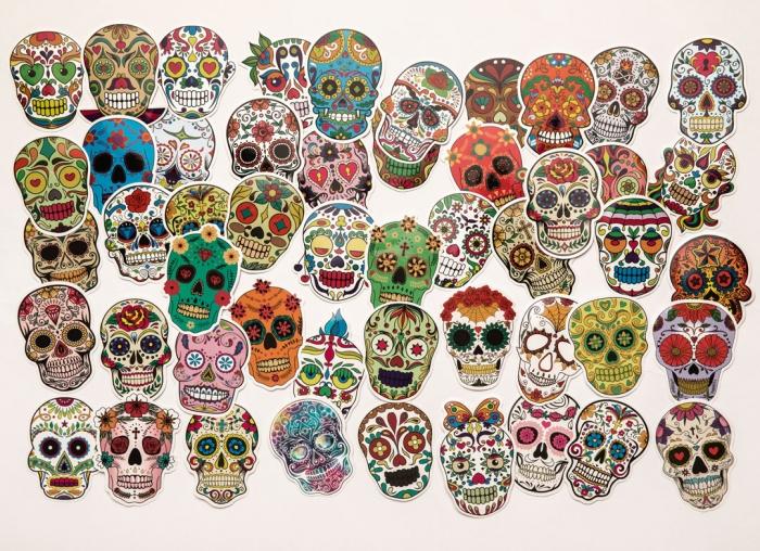Set 50 stickere laptop Cranii Colorate