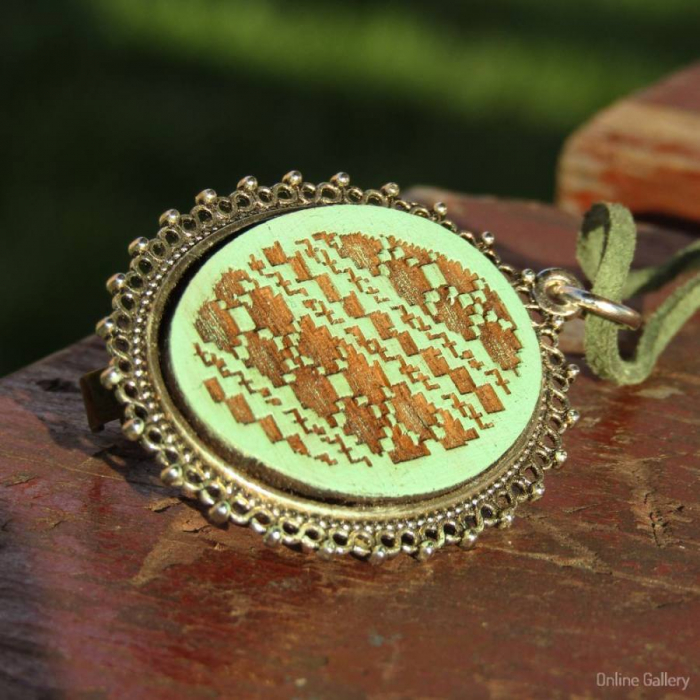 Pandantiv Handmade Cu Motive Tradiționale Turquoise