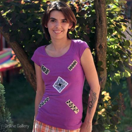 Tricou cu aplicații cusături tradiționale handmade
