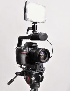 MicRig Stereo sistem de sustinere camera cu microfon incorporat