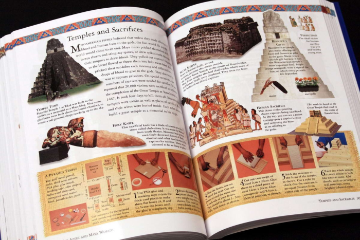The Childrens Ilustrated Encyclopedia of the ANCIENT WOLRD 4