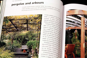 A Professional Sourcebook and Practical Guide to Garden Design. How to create a contemporary outdoor living space3