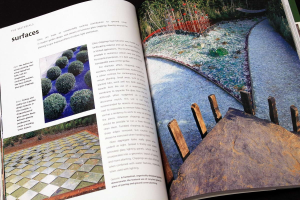 A Professional Sourcebook and Practical Guide to Garden Design. How to create a contemporary outdoor living space4