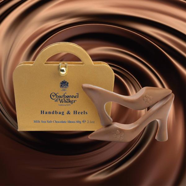 Poseta mini aurie 60G - patru pantofi din ciocolata cu lapte si caramel sarat 1