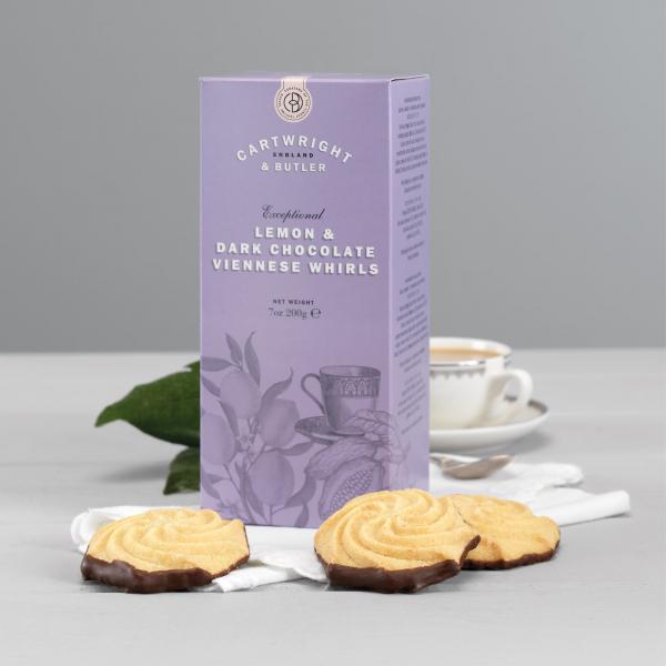 Biscuiti cu lamaie si ciocolata neagra in cutie carton 200G 2