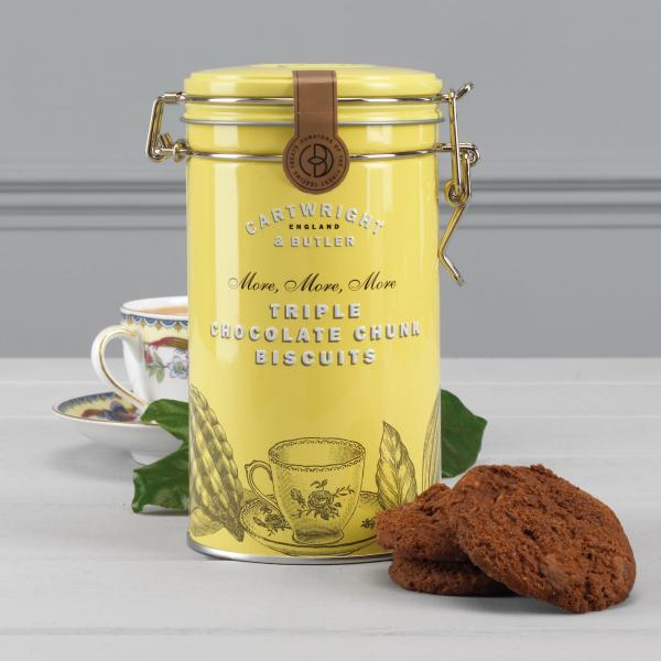 Biscuiti cu trei tipuri de ciocolata in cutie metalica 200G 3