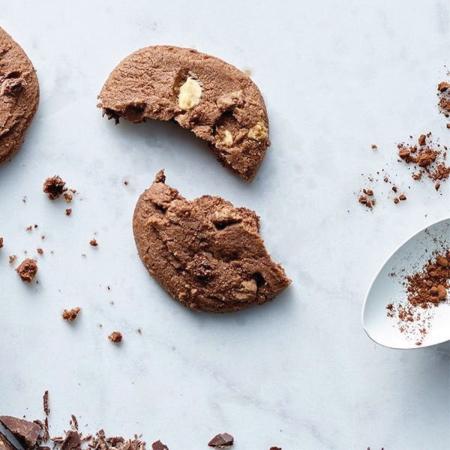 Biscuiți cu trei tipuri de ciocolată în cutie carton 200G1